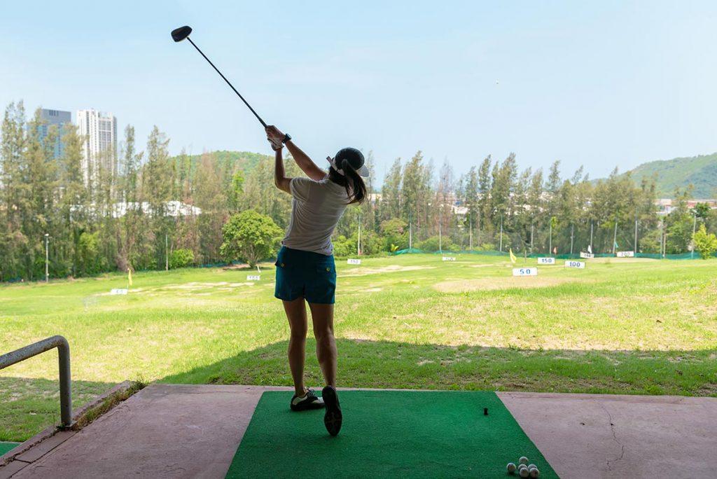 ゴルフ打ちっぱなしの服装について解説。気になる服装マナーを徹底解剖!
