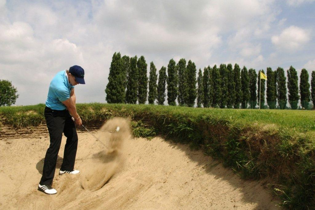 【ゴルフ初心者必見】アゴ高&目玉を克服!スコアアップにつながるバンカーレッスン
