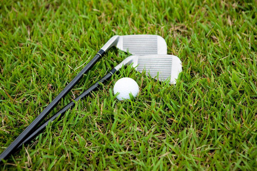 【ゴルフ初心者必見】9番アイアンやPWなどのショートアイアンを上手く打つ方法を徹底解説!