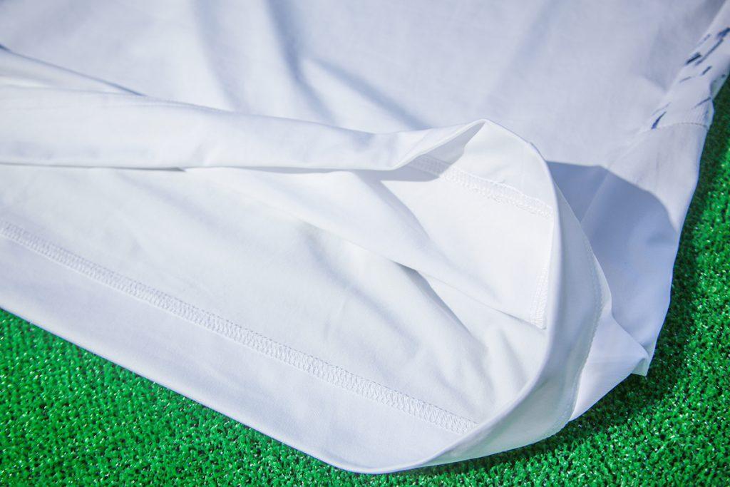 接触冷感素材のゴルフシャツ