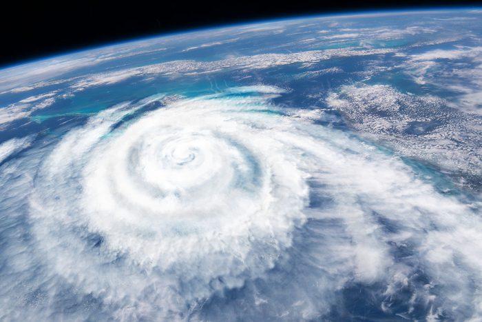 台風が来たらゴルフは中止?その判断はいつ?台風とゴルフに関する知識について解説!