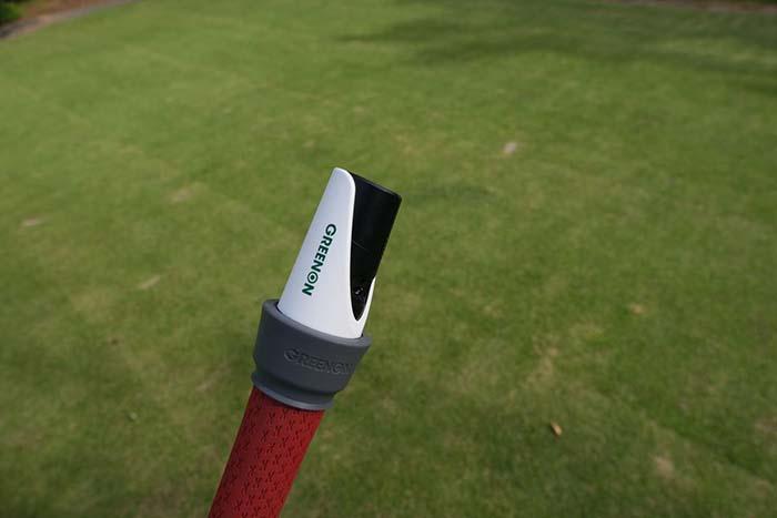 ゴルフスイング練習器具 グリーンオン レーザースイング
